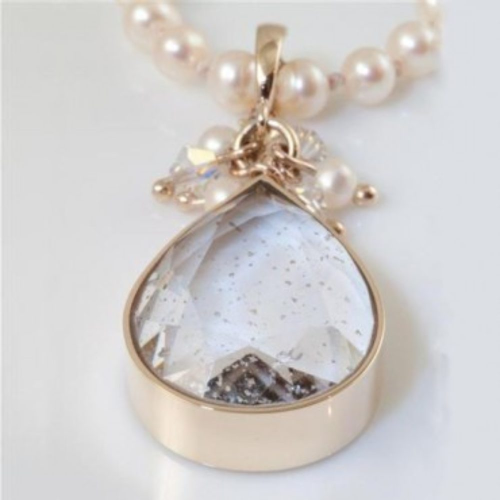 Crystal-Faceted-Teardrop-Necklace-Gold