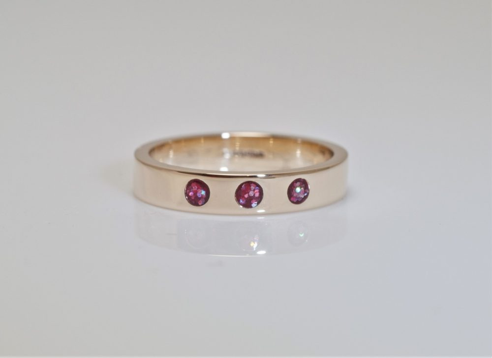 Crystallure-Band-Ring-4mm-Gold-Red