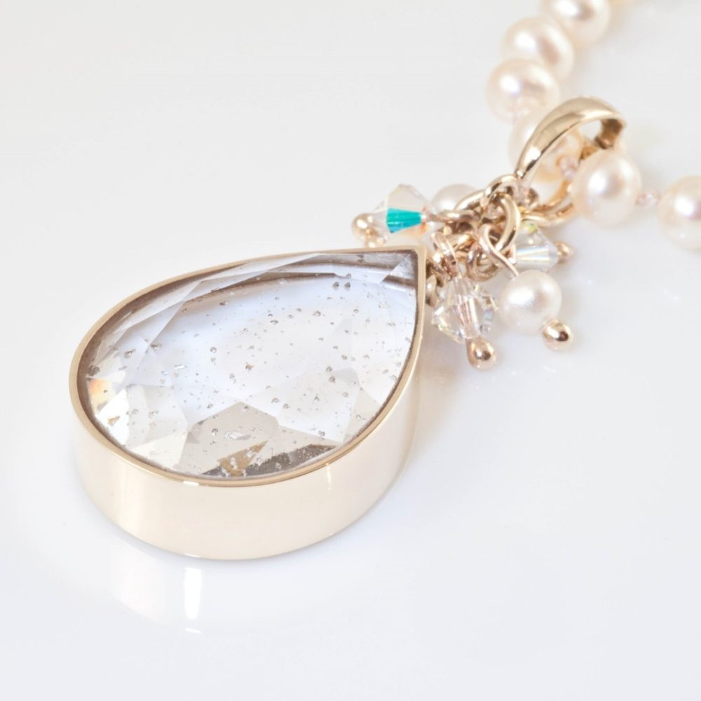 Ashes-in-Crystal-Teardrop-Gold-Pearl-Square