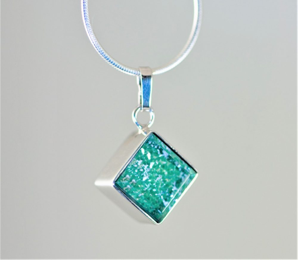 Crystal-Square-Necklace-Silver-Green-cropped