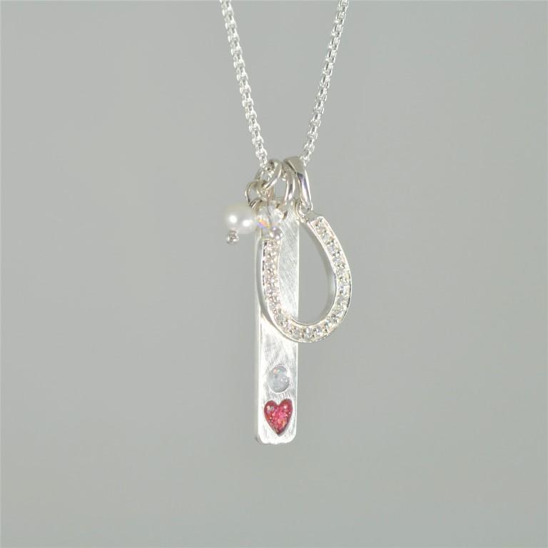 Silver-horse-shoe-necklace