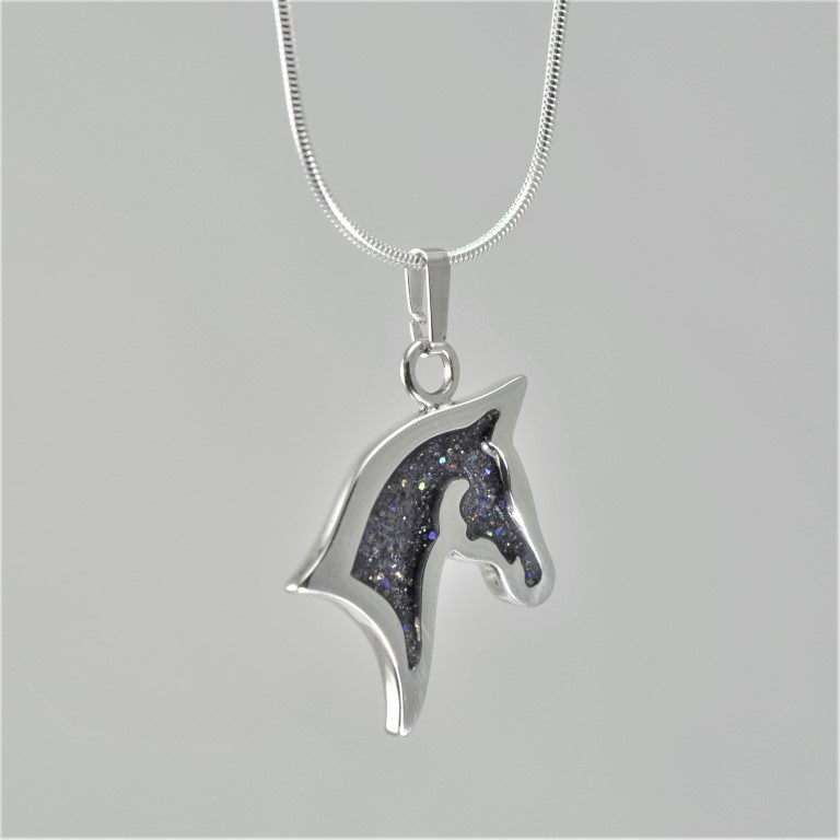 horse-head-necklace1